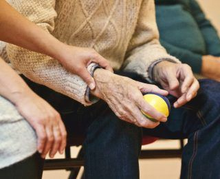 Emeklilik  ve Alzheimer Hastalığı Riski Arasındaki İlişki Nedir?