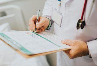 """""""Beyaz Önlük Hipertansiyonu"""" Kalp Krizi Riskini İkiye Katlayabilir"""
