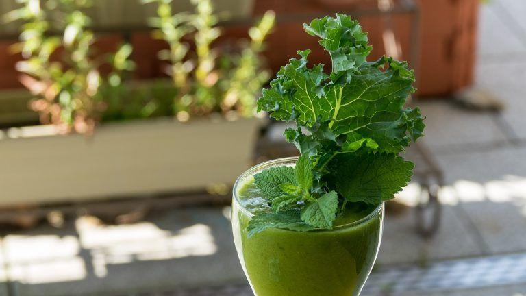 Güne Vitamin Deposu Yeşil Smoothie İle Başlayın