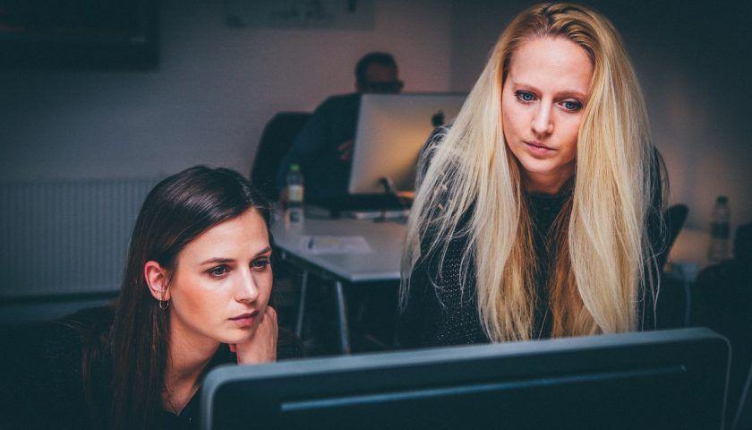 Uzun Çalışma Saatleri İnme Riskini Arttırıyor Mu?