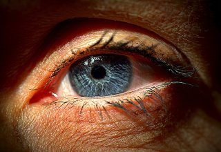 Sigara İçmek Ciğerler Kadar Gözlere de Zarar Veriyor