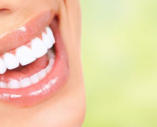 Şişmiş Diş Etleri: Olası Nedenler ve Tedaviler